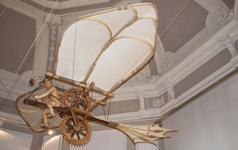 Bicicletta Volante di Leonardo da Vinci - Leonardo3 Museum in piazza della Scala a Milano