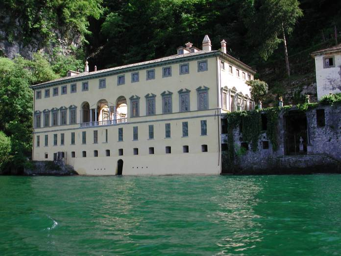 Cascate in Lombardia e luoghi da scoprire: Villa Pliniana