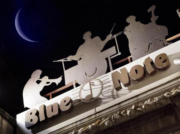 Blue Note di Milano: programmazione dei concerti, prezzi e altre informazioni utili sul jazz club in via Borsieri