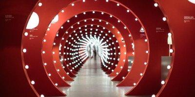 Fuorisalone 2016, eventi da non perdere. Foscarini Spazio Brera - La nuova collezione di lampade in un originale allestimento a cura di Ferruccio Laviani