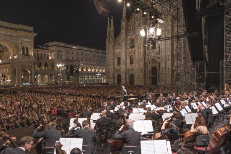 La Filarmonica della Scala durante una delle precedenti edizioni del Concerto per Milano in Duomo