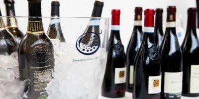 Sabato 29 ottobre al The Mall di Milano presentazione Vitae 2017, la Guida AIS dei migliori vini d'Italia
