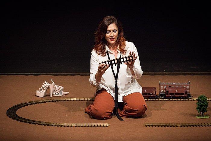 cosa fare a Milano sabato 25 luglio: Gabriella Greison in scena con 1927 Monologo Quantistico