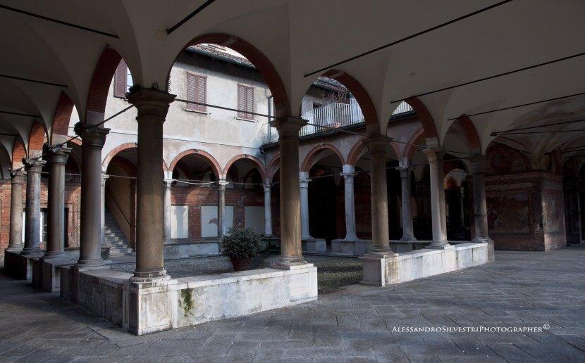 Quartiere Isola: chiostro di Santa Maria alla Fontana, Milano