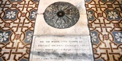 """Milano, tradizioni e curiosità: """"El Tredesìn de Marz"""" e la pietra di San Barnaba in Chiesa di Santa Maria al Paradiso"""
