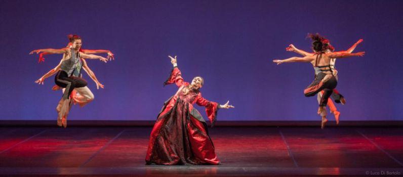 Il Barbiere di Siviglia di Artemis Danza al Teatro Menotti di Milano