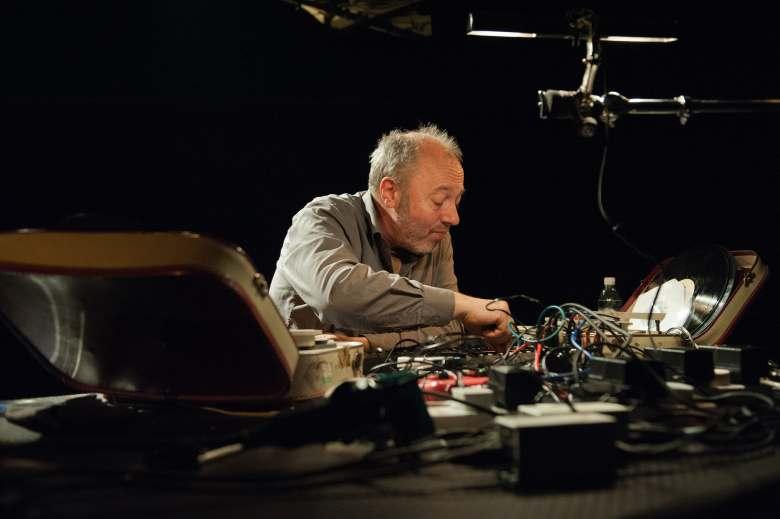 Philip Jeck live in Auditorium San Fedele a Milano Inner Spaces