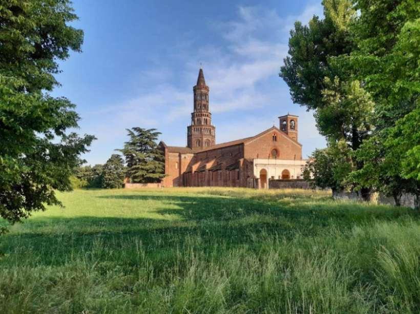 Milano gita fuori porta: sabato 29 e domenica 30 maggio visita guidata all'Abbazia di Chiaravalle.