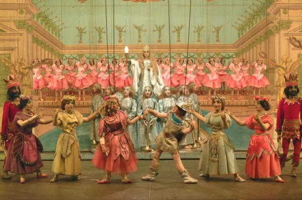 cosa fare sabato 13 giugno a Milano: spettacolo di marionette Excelsior