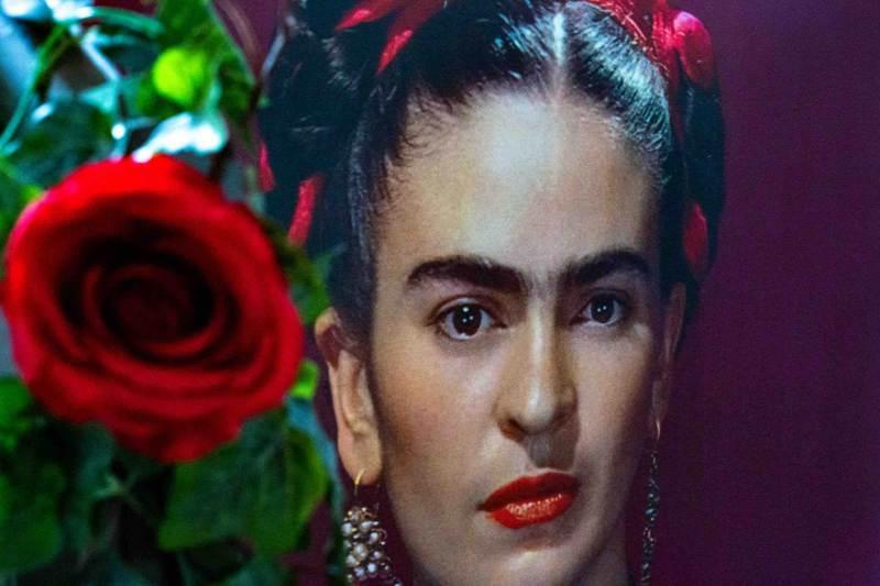Riapre domani, martedì 2 febbraio, alla Fabbrica del Vapore, la mostra Frida Kahlo Il caos dentro, prorogata sino al 5 maggio.