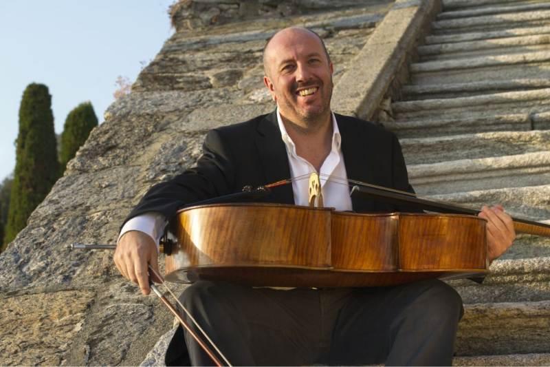 Concerto serale domenica 13 settembre al Teatro Dal Verme di Milano con protagonista Enrico Dindo e il suo violoncello