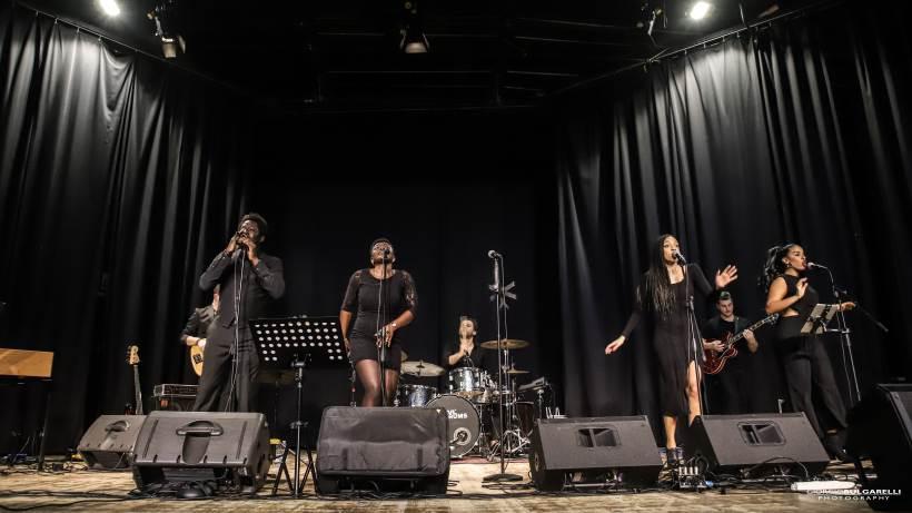 Domenica 27 dicembre sul palco del Blue Note Milano un grande classico natalizio: il Gospel Voices Family.