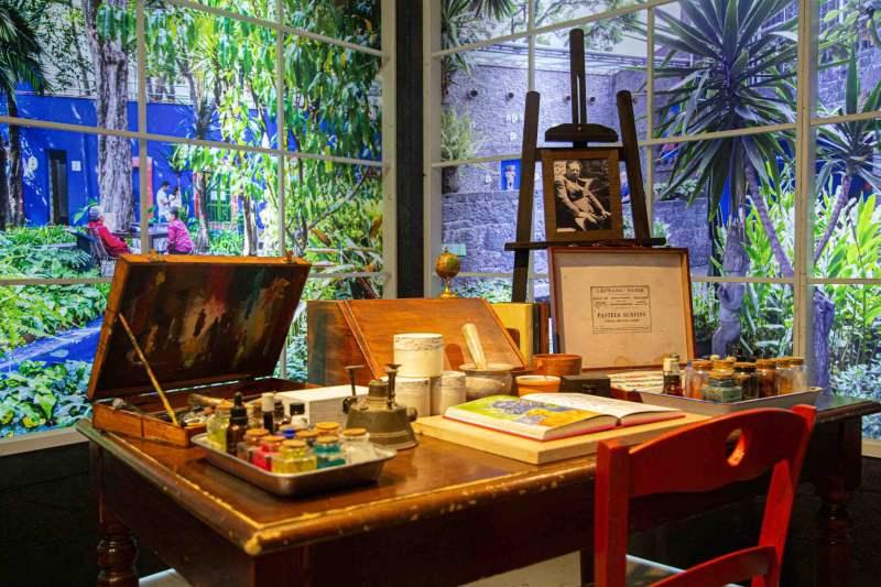 Frida Kahlo Il caos dentro: apertura nel weekend per la mostra alla Fabbrica del Vapore