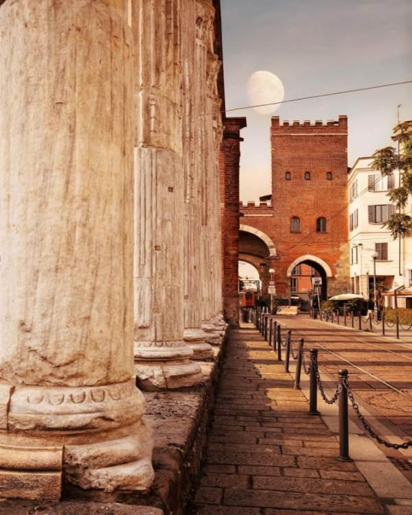 Colonne di San Lorenzo a Milano - Porta Ticinese Walking Tour